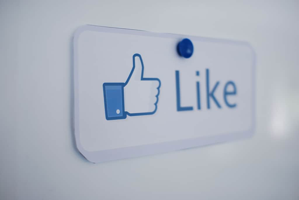 Social media like button