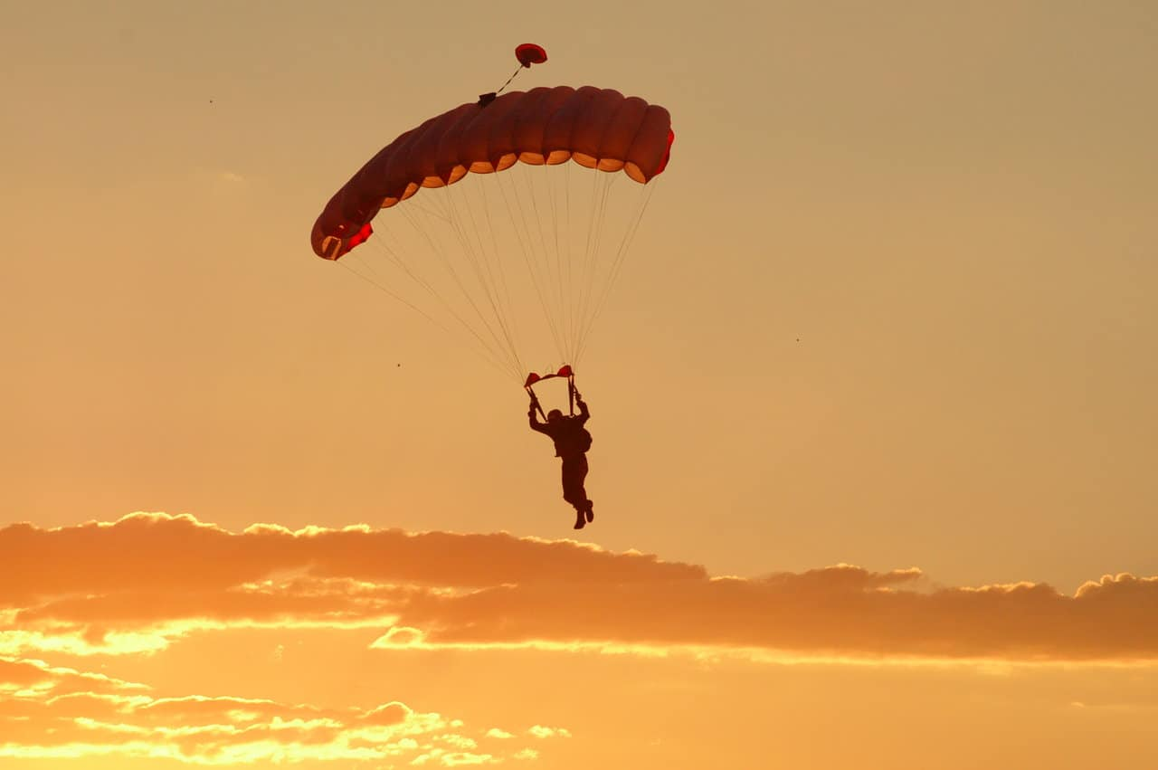 Sky diver with no fear
